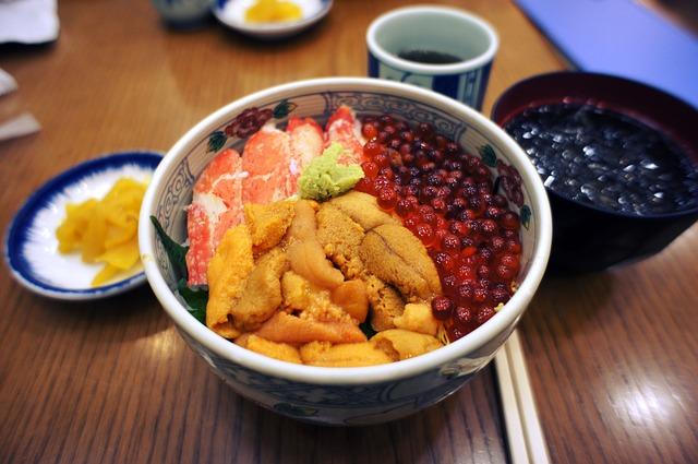 雲丹カニいくらの海鮮丼